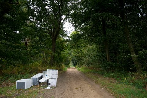 Surrey rubbish clearance firm caught fly tipping   Anti ...